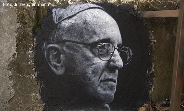 Settimanale cattolico francese al papa: cancelli l'articolo del Catechismo che condanna l'omosessualità