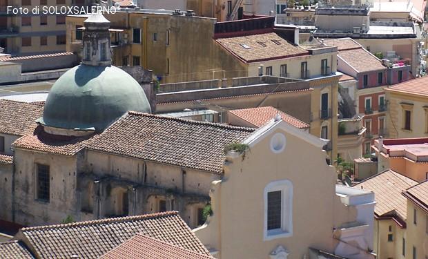 Salerno: iniziativa politica in chiesa. E una parrocchiana scrive al vescovo