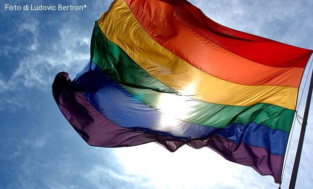 """""""Gay e cattolici"""": un documentario sul complesso rapporto tra Chiesa e credenti Lgbt"""