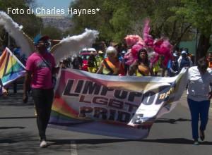 Il papa in Africa condanni l'omofobia: appello delle organizzazioni cattoliche Lgbt