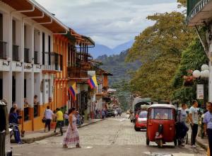 La Chiesa colombiana: non rompere l'accordo con le Farc