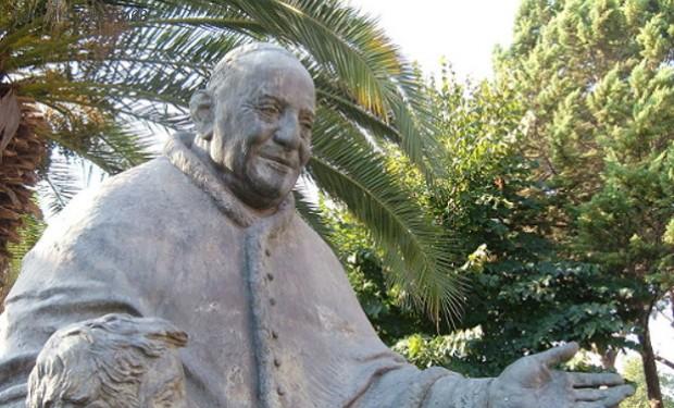 Anche 14 vescovi nell'appello al card. Sarah: Giovanni XXIII sia patrono della nonviolenza