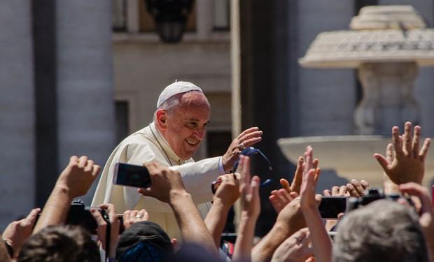 Papa Francesco ai vescovi cileni sulla questione Barros: pardon, «sono incorso in gravi errori»