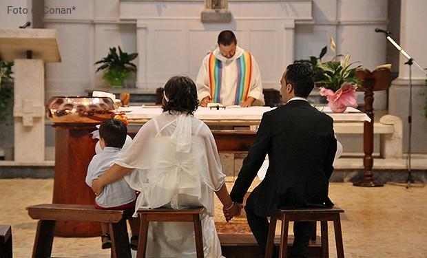 Card. Farrell: inesperti e poco credibili i preti che preparano al matrimonio