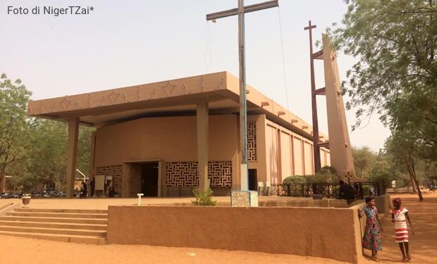Arcivescovo Niger: l'Italia dovrebbe chiedersi come aiutare e non come fermare i migranti