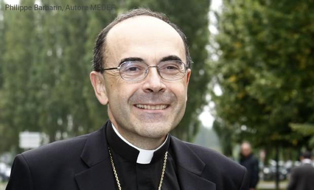 Abusi sessuali, condannato a sei mesi il Cardinale che coprì il prete pedofilo