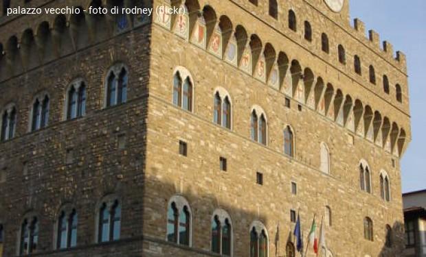 Firenze: il Comune approva mozione contro la vendita di bombe made in Italy all'Arabia saudita