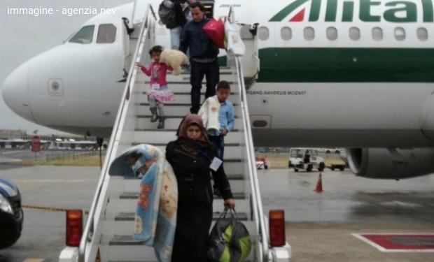 Corridoi umanitari di evangelici e Sant'Egidio: 54 profughi siriani in arrivo a Fiumicino