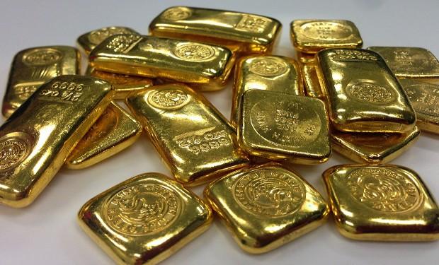 Scatta foto alla miniera d'oro, la polizia l'arresta, la popolazione si infuria. Il racconto di un missionario in Centrafrica