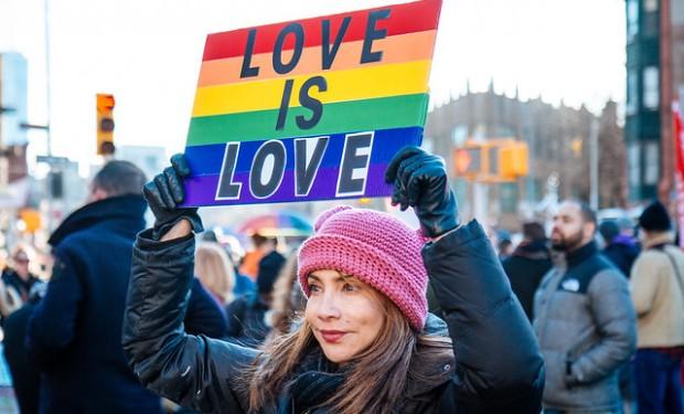 17 maggio, giornata nazionale contro l'omofobia. Di veglie e di preghiere