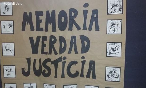 """""""Il papa ordini al prete accusato di tortura di consegnarsi alla giustizia"""". Lettera degli attivisti argentini a Francesco"""