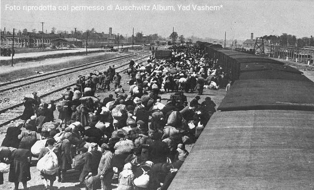 Giornata della Memoria: l'inchino alle vittime e il mea culpa delle Chiese di Germania