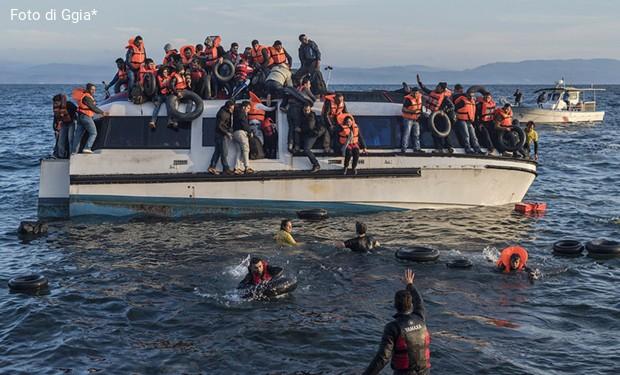 Migranti in Grecia: un rapporto sulla «peggior catastrofe umanitaria in Europa»