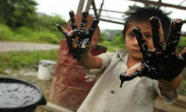 Vescovi dell'Amazzonia: non solo il Covid sta sterminando  i popoli indigeni e la Madre Terra