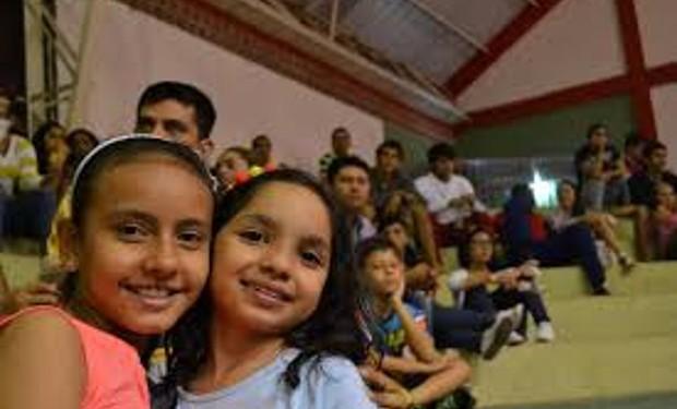 Il 10% della popolazione scolastica in Italia è straniera. E subisce le conseguenze delle politiche migratorie