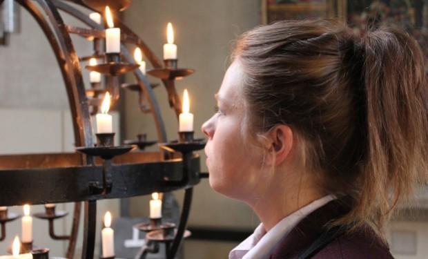 Sulla scia di Anne Soupa: sette donne si candidano a ministeri