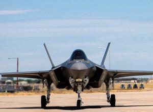 «Inaccettabile»: virus e governo non fermano la produzione di F35