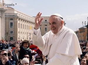 Papa politico o papa ideologico? Dibattito sul pontificato di Francesco