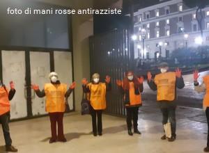 Mani rosse antirazziste al Parlamento: cancellare le norme che puniscono chi salva vite in mare