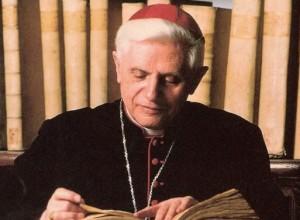 """Germania: un volume critica il """"sistema Ratzinger"""""""
