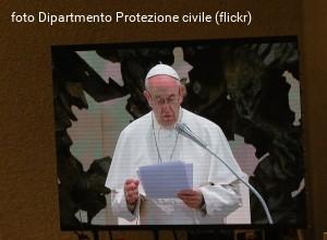Papa Francesco: difendere le vittime dei preti pedofili, non la Chiesa